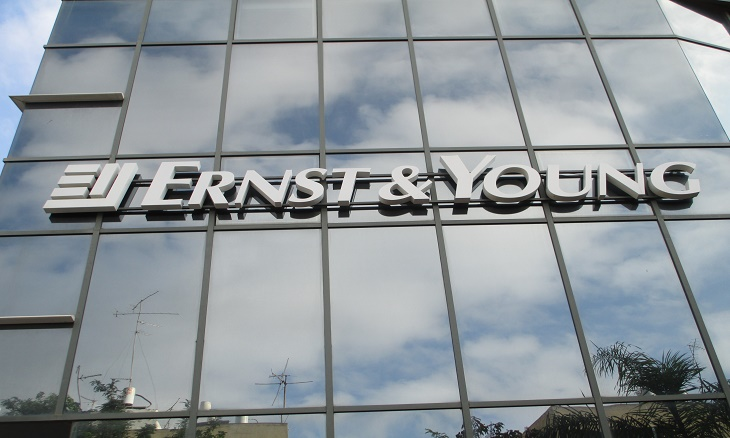 Ernst & Young drop degree criteria from graduate programme