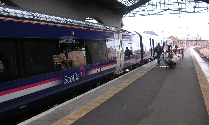 ScotRail staff sent 'insulting' rejection letters over driver jobs