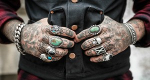 Tattoo hands