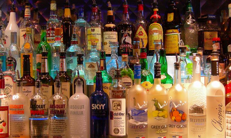 Recruiting-bar-staff