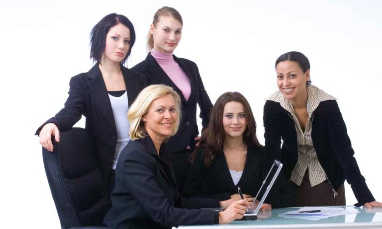 women-working-in-HR