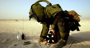Bomb-diffuser